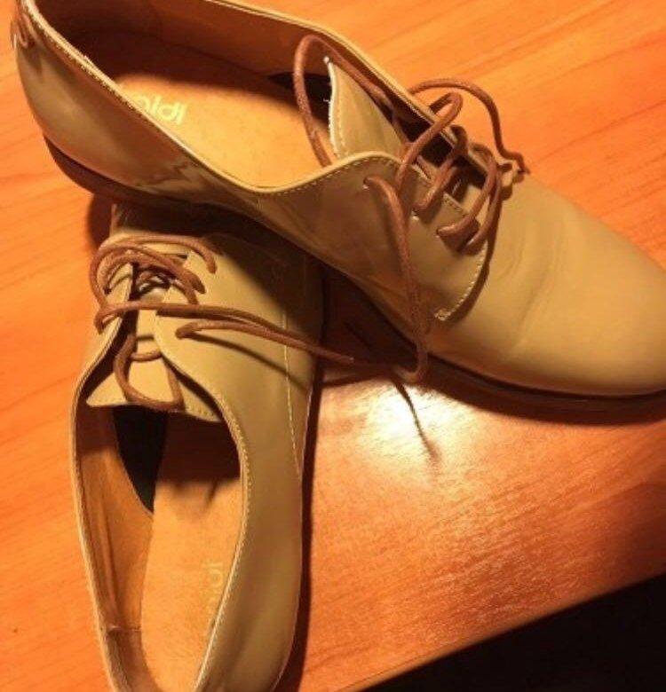 Светлые туфли в спб