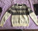 Тёплый свитер новый