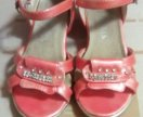 Детскую обувь для девочки размеры 27по 29