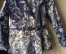 Пиджак для девочки отличном состоянии,