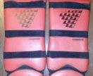 Щитки на ноги