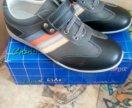 Новые Ботинки, кроссовки