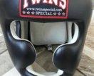 боксерские перчатки,шлем и защита