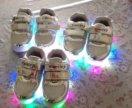 Новая детская обувь светящиеся