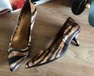 Новые женские туфли на низком каблуке Zara