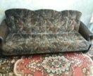 Продам диван с кожаными подлокотниками