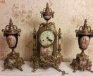 Старинные настольные часы с вазонами.Германия