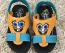 Шлепки-сандали на море