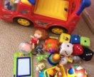 Машинка каталка и игрушки