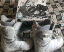Сноуборд, крепления и ботинки Burton