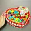 Подарок девушке Сердце из киндер шоколадок