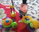 Игрушки и прорезыватель для малышей