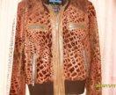 кожаная куртка с арнаментом