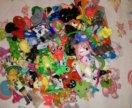 Игрушки с киндеров и фишки, для кукол мелочи