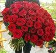 Алые розы в наличии