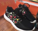 Новые кроссовки женские 40 размер