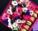 Живые цветы в подарочной упаковке