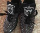 Новые кроссовки, 36 размер