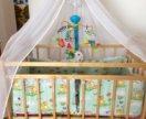 Детская кроватка с сопутствующими принадлежностями