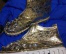 Ботинки золотые новые
