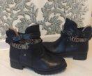 Ботинки осенние moschino