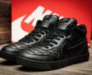 Новые черные зимние кроссовки nike
