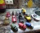 Коллекция машинок и мотоциклов.