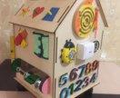 Развивающий домик для детей. Бизиборд. Бизикуб