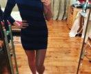 Платье интересное на одно плечо.