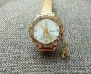 Часы женские цвет золотой