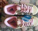 Кроссовки новые Adidas
