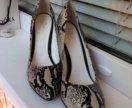 Туфли лодочки 39 кожа питон новые