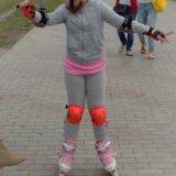 Ролики с шлемом и защитой. Фото 1.