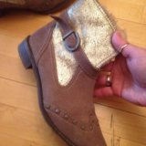 Осенняя обувь размер 38 маломерка,подходит на  37. Фото 1.