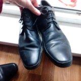Продам две пары мужской обуви. Фото 1.