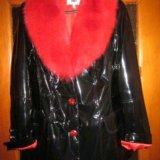 Куртка искусственная, лаковая с натуральным мехом. Фото 2.