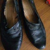 Туфли б/у. верх немного слез. 41 размер. Фото 1.