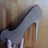 Туфли (шпильки на высоких каблуках). Фото 3.
