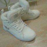 34-34,5 размер теплые новые кроссовки. Фото 2.