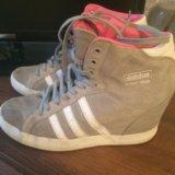 Adidas. Фото 3.