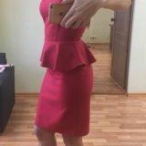Платье красное с баской новое 40-42 р-р. Фото 1. Екатеринбург.