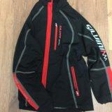 Спортивная разминочная куртка. Фото 1.