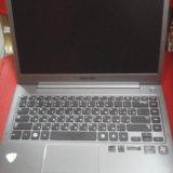 Ноутбук samsung. Фото 1.
