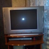 Стенка. телевизор. Фото 2.