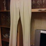 Светлые брюки. Фото 1.