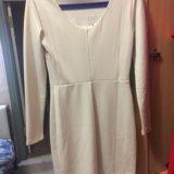 Бежевое платье. Фото 1.