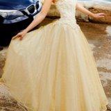 Золотое свадебное платье. Фото 1.