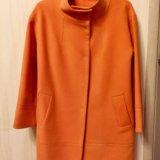 Пальто теплое цвет мандарин. Фото 1. Санкт-Петербург.