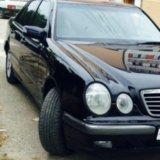 Mercedes-benz e 210. Фото 1.