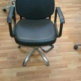 Парикмахерская мойка и кресло. Фото 2.
